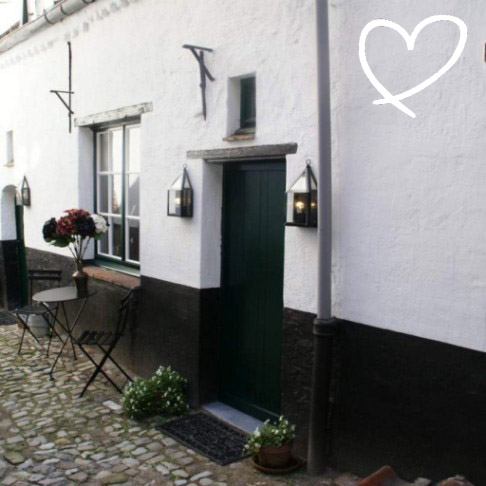 ancient alley cottage